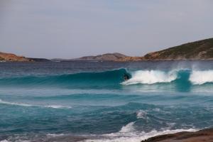 Lindo surfing !